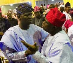"Ambode, Fashola ""war"" over federal road, airport facility heats up."
