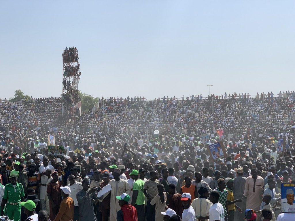 Mammoth crowd graces Buhari's campaign; APC BoT member at Atiku's; Olawepo-Hashim promises N50k wage