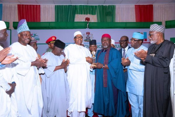 Buhari gets award from APC Governors; PDP says it's endorsement of failure