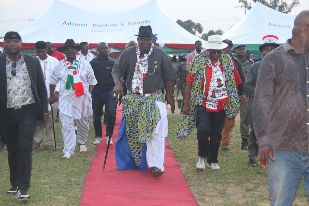 The Bayelsa Battle    Dickson: You are blackmailing me; Alaibe: I am too focussed to do that