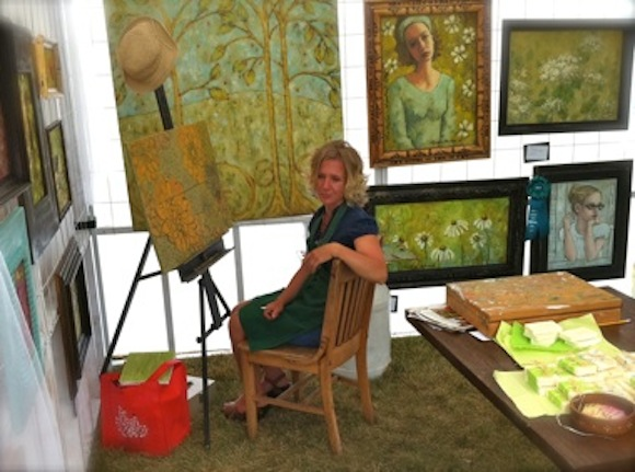 Lynaea in her booth