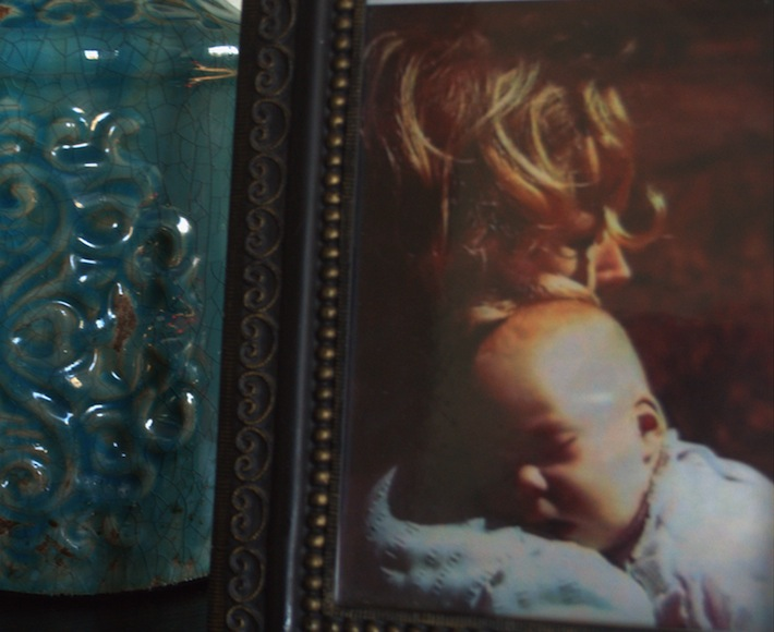detail: decorate with photos