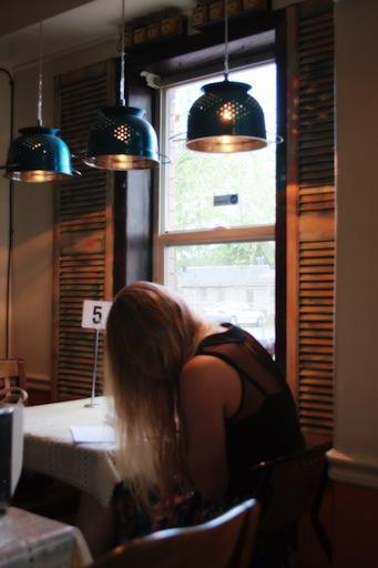 Oh Mai: waiting in a restaurant