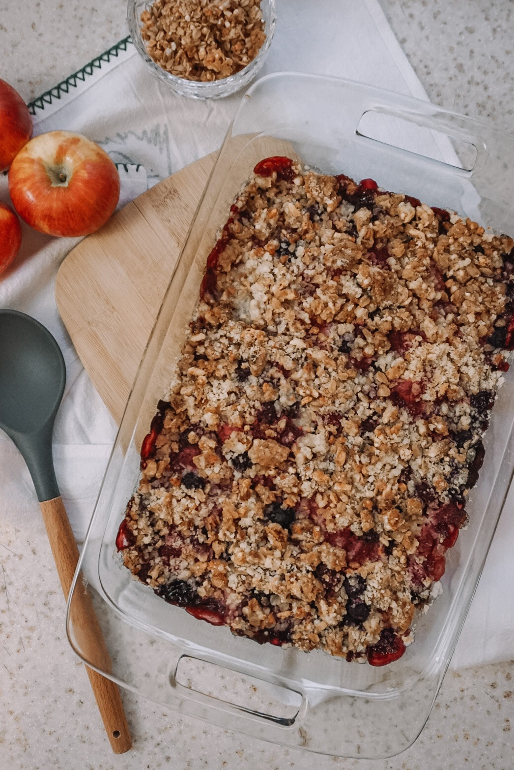 Simple Granola Berry Crisp - Gluten Free & Dairy Free Recipe   Everyday Chiffon