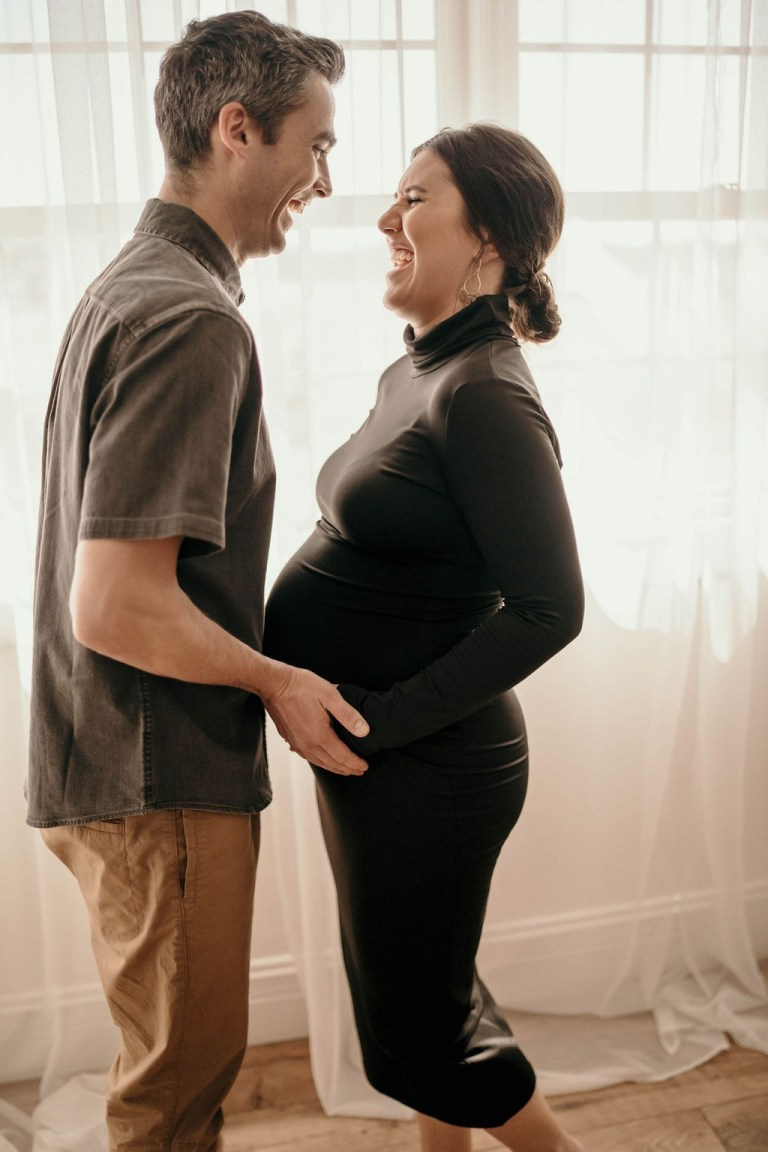 Studio Maternity Photoshoot + 37 Week Bunmpdate | Everyday Chiffon