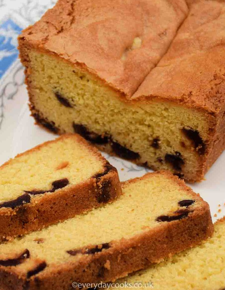 Old-fashioned cherry loaf cake with slices.