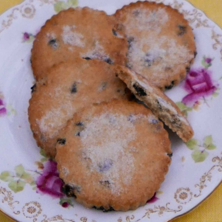 A patterned plat with 5 Easter Biscuits