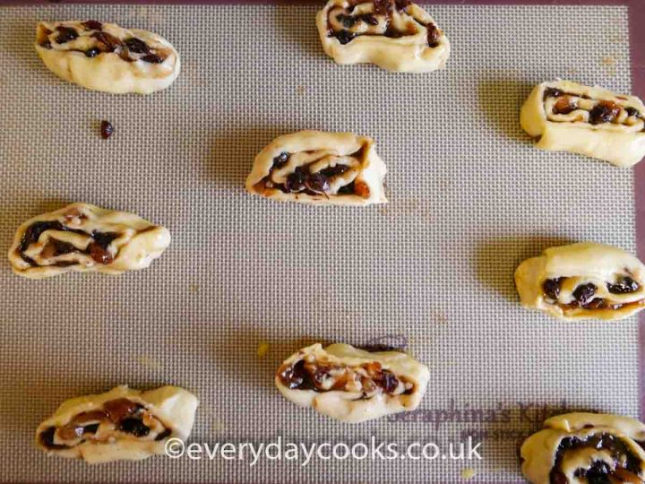 Uncooked Mincemeat Pinwheels ready to cook