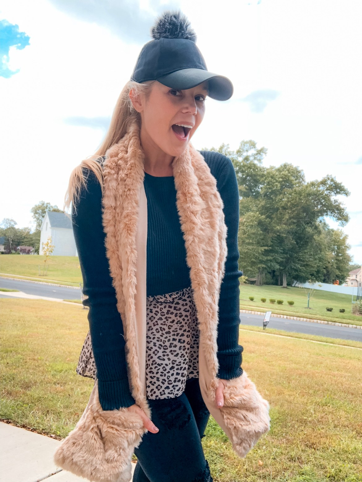 Corine Ingrassia- Mom style With Cabi - pocket scarf