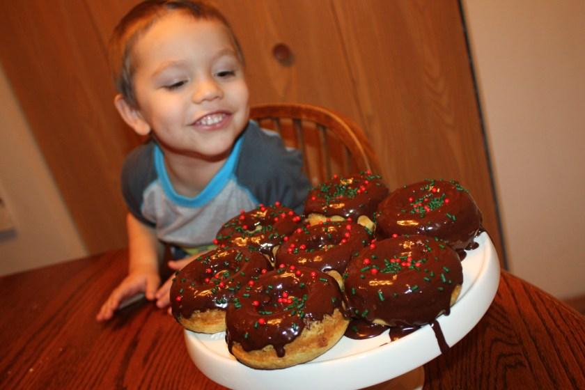 img_1694-christmas-donuts