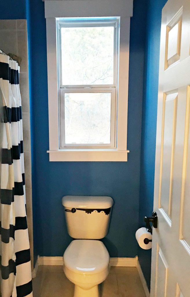 before-the-boys-bathroom-remodel-everyday-edits