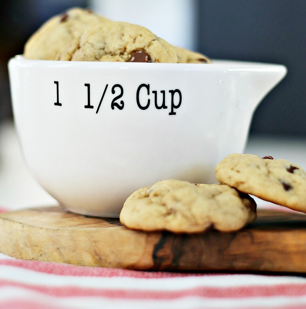 chocolate-chip-peanut-butter-banana-cookies-recipe-everyday-edits-feature