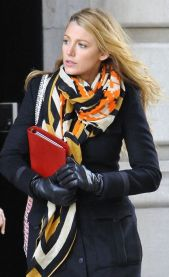 scarf Blake Lively
