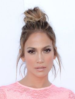 everydayfacts top knot Jennifer Lopez