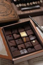 chocolate box riviere, japan