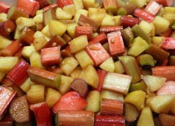 Rhubarb Apple & Ginger in the Baking Dish (c) jfhaugen