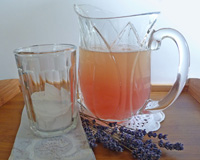Honey Lemonade with Lavender Infusion