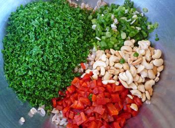 Parsley Farro Salad with Red Pepper, Cashews & Feta