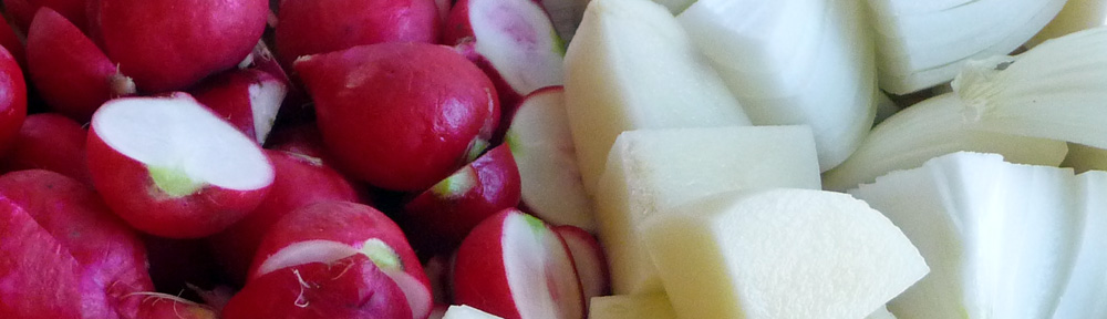 Radish Soup for Spring – Refreshing, Flavorful & Rosy-Hued