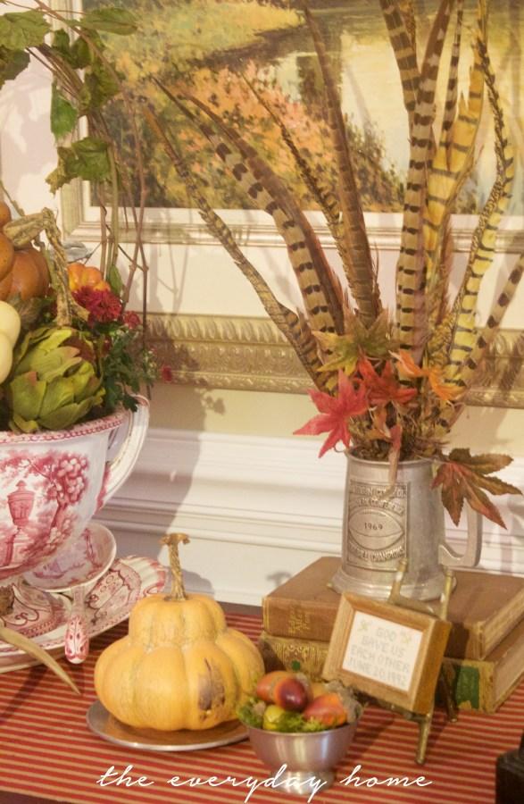 A Fall Dining Room Vignette | Fall Tour | The Everyday Home | www.everydayhomeblog.com