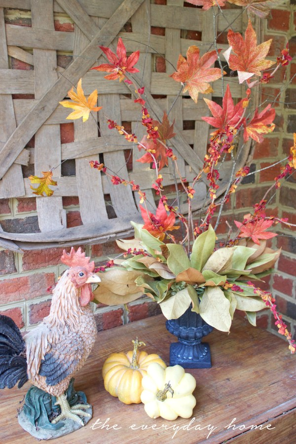 Using Faux Fall Branches in a Vignette | The Everyday Home | www.everydayhomeblog.com