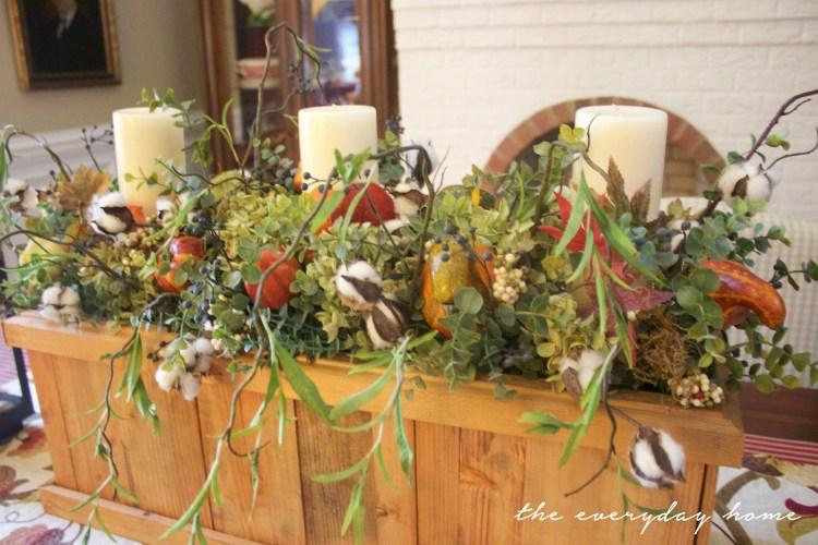 Wooden Box Fall Arrangement | Fall Tour | The Everyday Home | www.everydayhomeblog.com