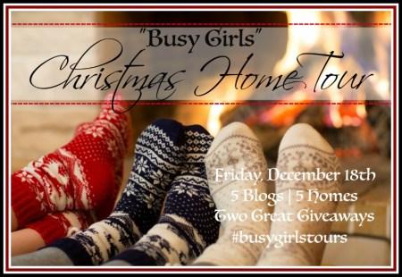 """""""Busy Girls"""" Christmas Home Tours   The Everyday Home   www.everydayhomeblog.com"""