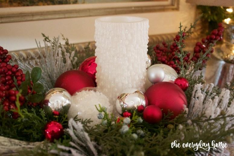 Christmas Candle Centerpiece   2015 Christmas Dining Room Tour   The Everyday Home   www.everydayhomeblog.com
