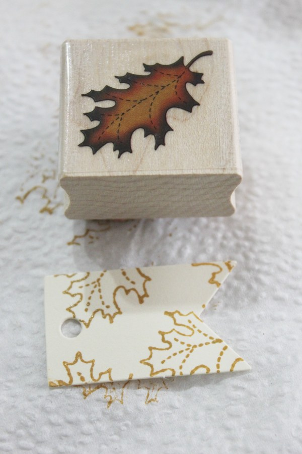 Stamping Fall Leaves   The Everyday Home   www.everydayhomeblog.com