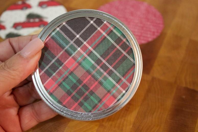 scarpbook-paper-circle-added-to-mason-jar-lid-for-christmas-ornament   The Everyday Home   www.everydayhomeblog.com
