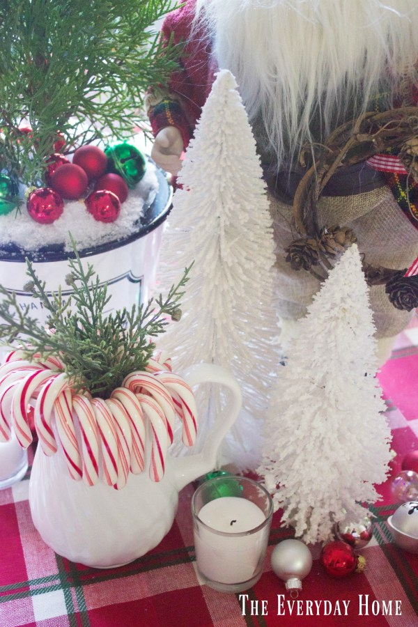 santa-christmas-tablescape-trees |The Everyday Home | www.everydayhomeblog.com