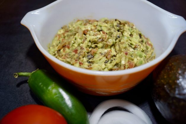 Spicy guacamole with roasted vegetables #guacamole