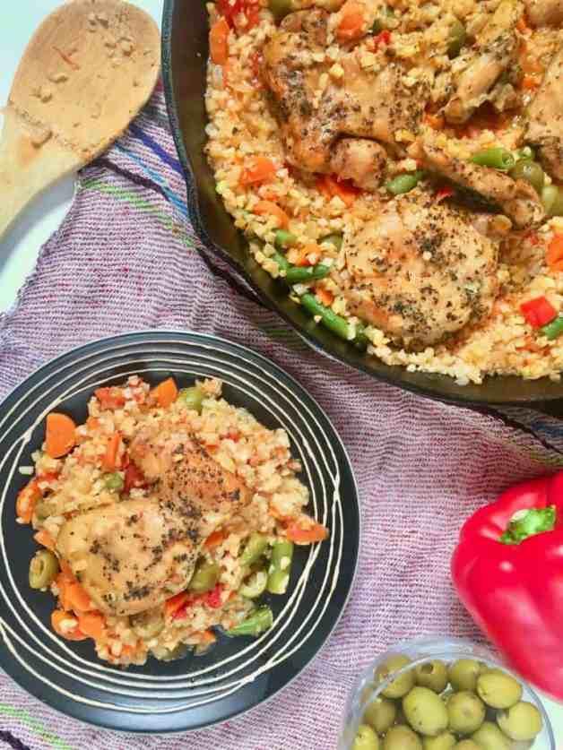 Mexican Cauliflower Arroz Con Pollo #arrozconpollo #cauliflowerarrozconpollo #whole30recipes