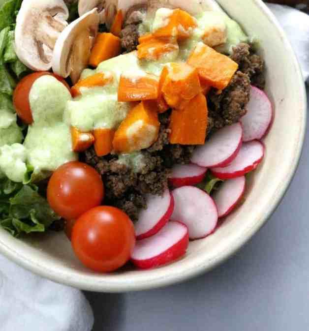 Roasted sweet potato taco bowl #tacobowl #tacosalad #whole30recipes