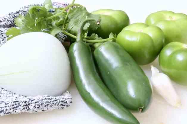 Ingredients for easy tomatillo salsa verde for tacos #salsaverde #tomatillosalsa