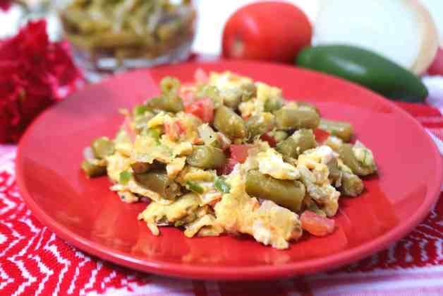 Huevos con ejotes (green bean scramble) #mexicanscramble #eggscramble #huevosconejotes