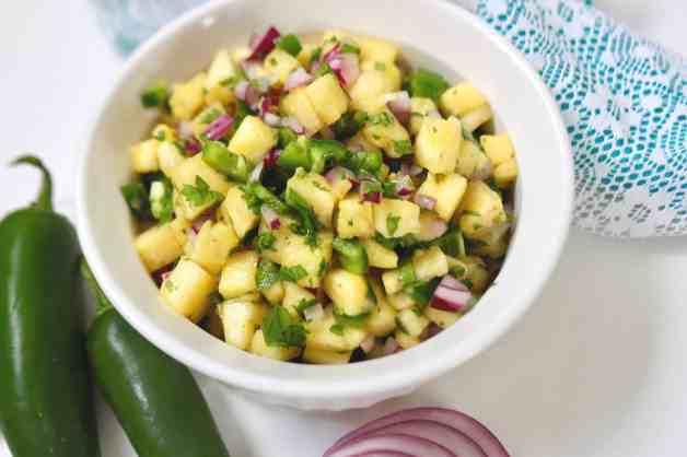 Pineapple-jalapeño salsa #pineapplejalapenosalsa #spicypineapplesalsa