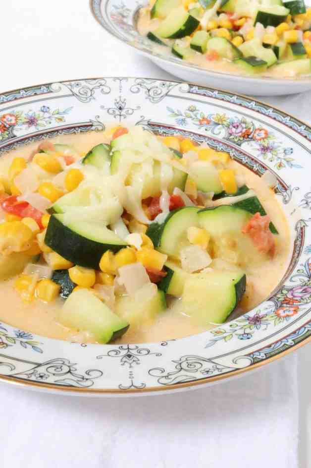 Cheesy Calabacitas con Elote (Zucchini and Corn Soup) #zucchiniandcornsoup #calabacitasconqueso #mexicansoup