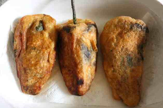 Fried chiles rellenos #chilesrellenos #mexicanrecipes #whole30recipes
