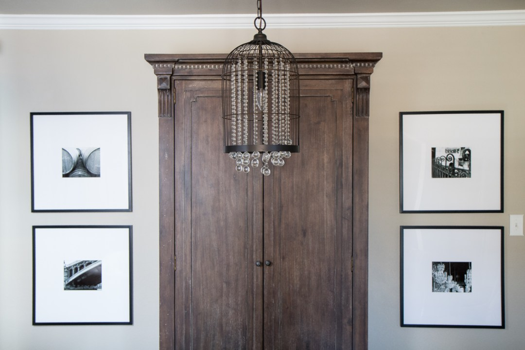 decorating with black and white photography