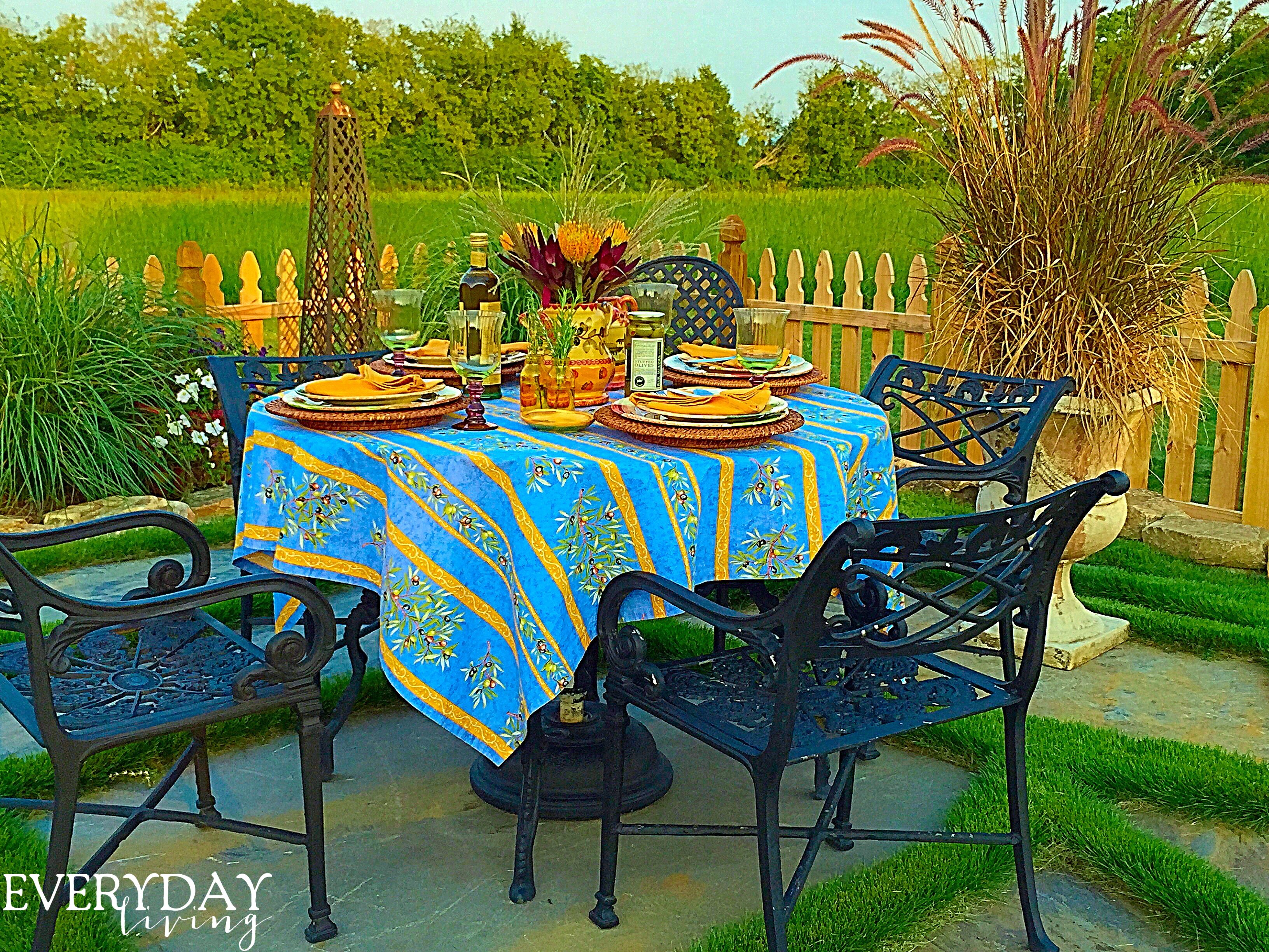 Super Tablescape Tuesday In Every Season Home Interior And Landscaping Palasignezvosmurscom