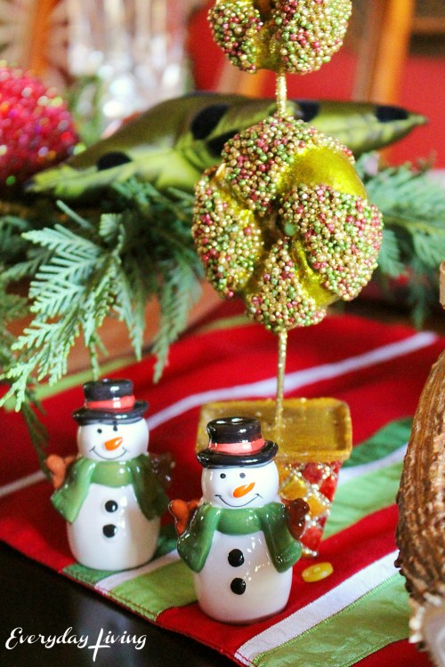 everyday-living-christmas-tablescape-1