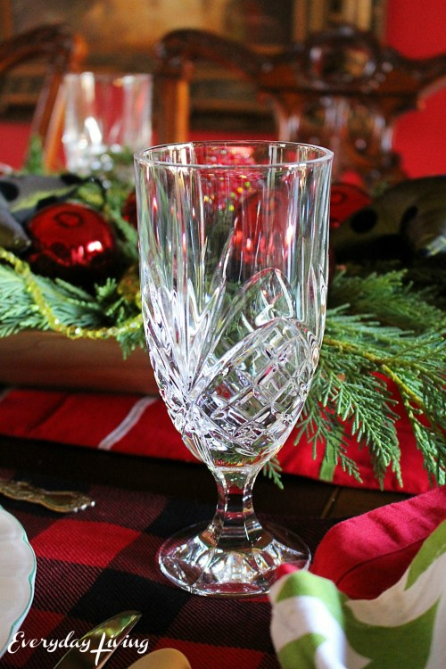 everyday-living-christmas-tablescape-3