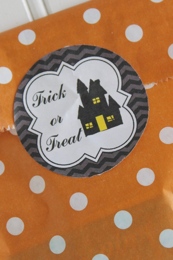 Everyday Party Magazine Haunted House Halloween Printable Tag