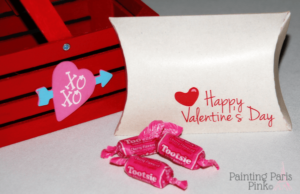 Painting Paris Pink Valentine-Kraft-Pillow-Box-600x387