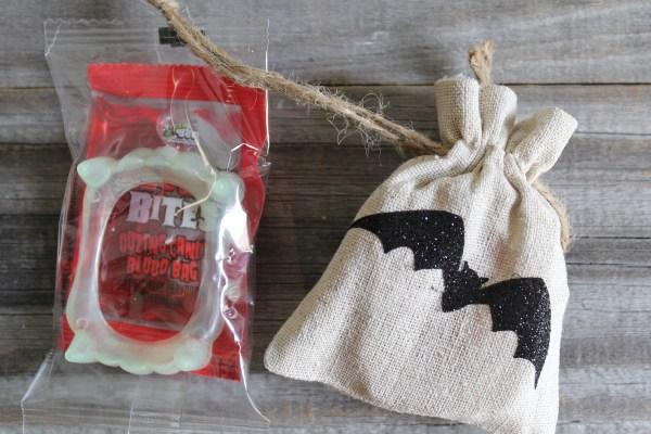 Everyday Party Magazine Sizzix Tim Holtz Bat Halloween Party Favor Bag