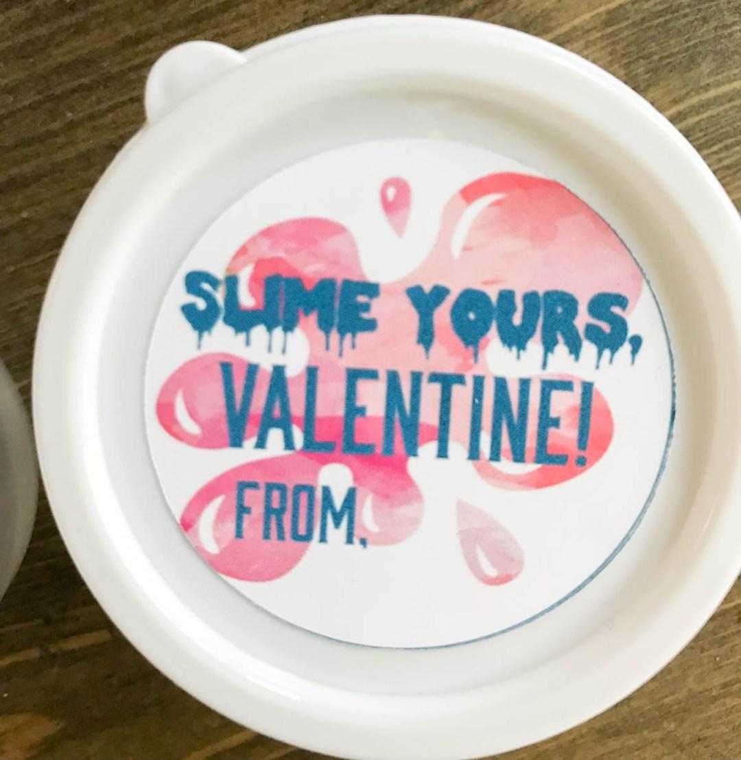 Everyday Party Magazine Slime Yours Valentine's Day Treats #DIY #Slime #ValentinesDay #KidsValentines #FreePrintables