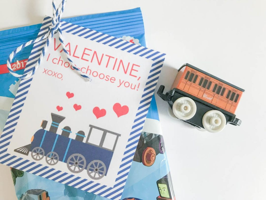 Everyday Party Magazine Valentine, I Choo-Choose You! Darling train Valentine's Day Cards #train #ValentinesDay