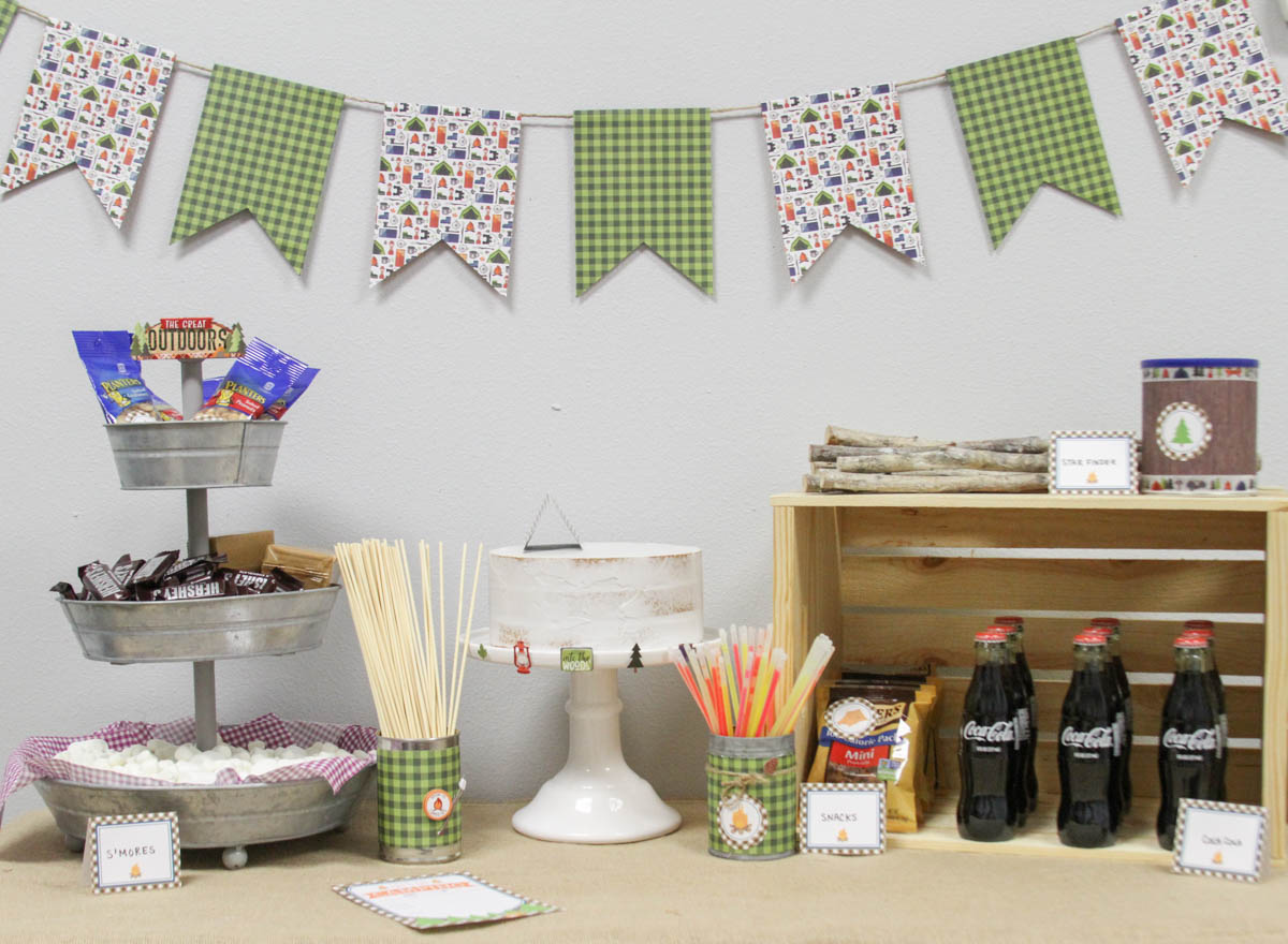 Everyday Party Magazine Plaid Camping Party #CampingParty #Plaid #Rustic #KidsParty