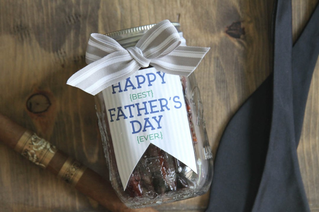 Everyday Party Magazine Candied Bacon Recipe #Bacon #CandiedBacon #Bourbon #FathersDay